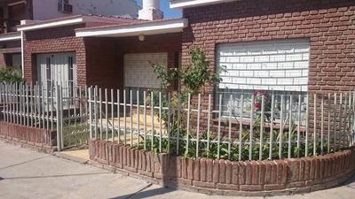 Casa 3 Dormitorios ,cocina Comedor,baño, Lavadero,asay Pat.