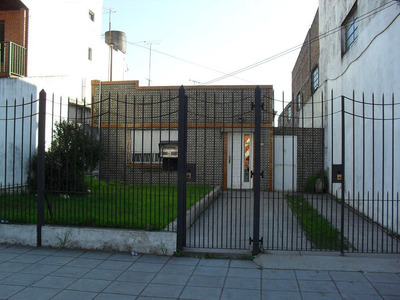 Casa En Venta De 3 Ambientes, Muy Buena.