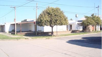 Vendo Casa En Coronel Bogado - A 45 Kms. De Rosario