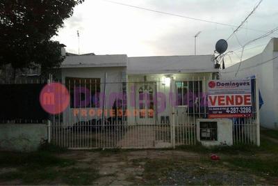Venta De Casa A Refaccionar , Florencio Varela Centro Lote
