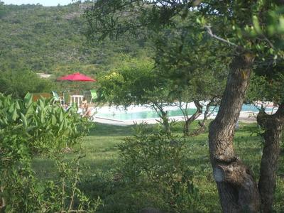 Cabaña Tres Habiantes Con Pileta En Gran Predio Con Parque