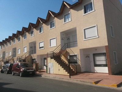 Depto Tipo Ph De 2 Amb A Estrenar C/patio En Barrio Canguro.seguridad 24 Hs,cocheras,parrilla. Ambientes. Dormitorio. 70 M2. 57 M2c