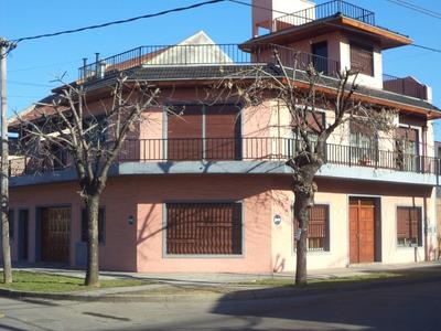 Casa En Venta De 6 Ambientes En Lomas Del Mirador
