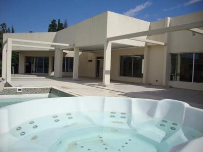 Magnífica Casa Con Costa Al Lago En Villa Carlos Paz