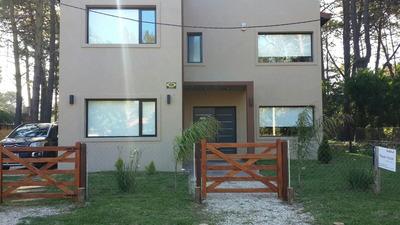 Casa A Estrenar 4 Habitaciones, Quincho, Parque.