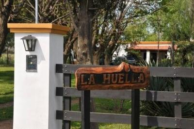 Casa Quinta Amoblada, Excelente Parque Y Pileta