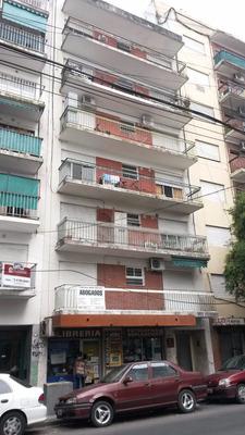 Muy Lindo Depto 3 Amb A 1/2 Cuadra De Av Maipu C/balcon