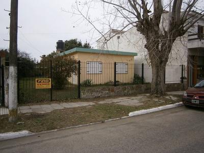 Mar Del Tuyu. Casa Sola En El Lote.