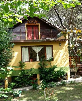 Casa En Bosque De Mar Azul.