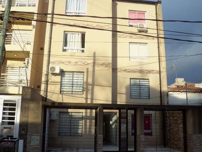 Moron Centro:mono-ambiente, Sobre Calle 9 De Julio Al 600!!!