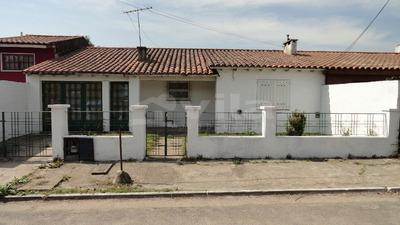 Casa En Venta De 3 Ambientes En Circunscripcion 3