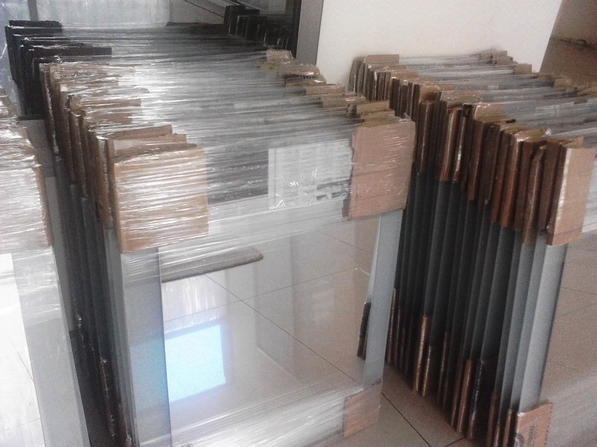 Repisa para bao anterior siguiente estantes flotantes for Como colgar un espejo en la pared
