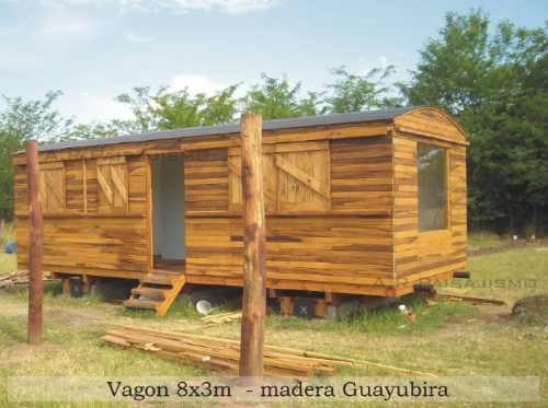 replica vagon de ferrocarril en madera, tren tipo cabaña